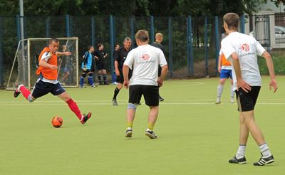 В футбол играют настоящие мужчины!