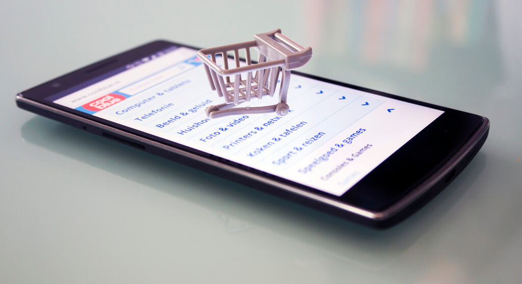 44% российских интернет-пользователей делают покупки сосмартфонов
