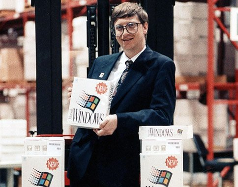 at-the-same-time-microsofts-influence-was-on-the-rise-macs-offered-an-excellent-but-limited-library-of-software-on-expensive-computers-meanwhile-microsoft-was-selling-windows-30-on-cheap-commodity-computers.jpg