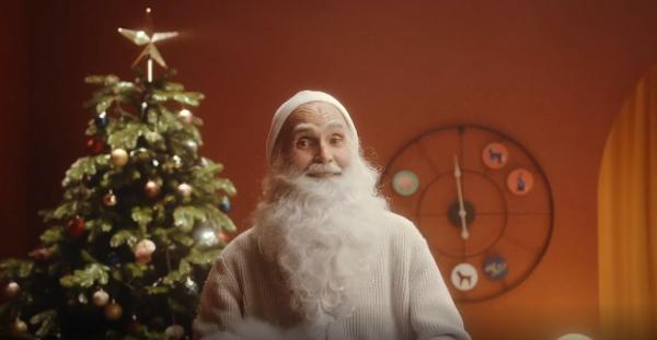 Маруся вместе с Дедом Морозом подготовила персонализированное новогоднее поздравление