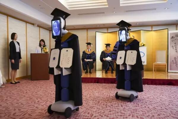 Технодайджест: роботы на выпускном и МТС в животноводстве