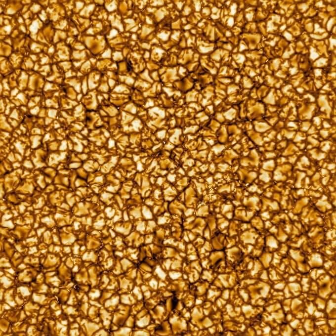 Технодайджест: снимки Солнца и улучшенный «Чебурашка»