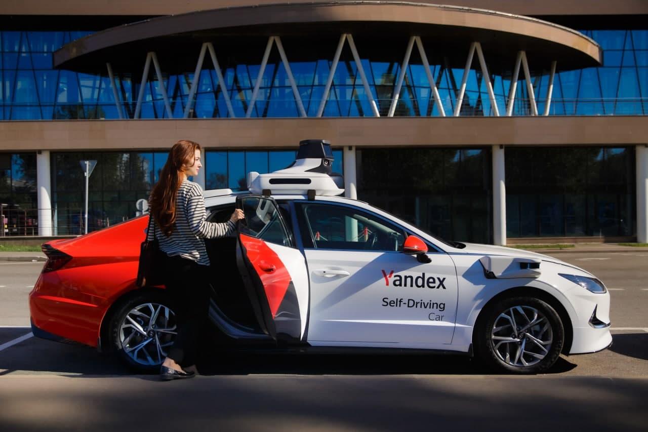 Яндекс запустит первое беспилотное такси в Москве