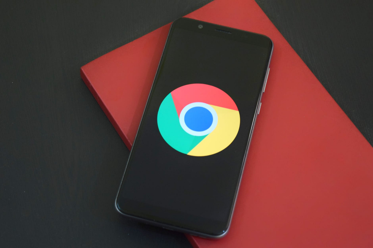 Google платил производителям смартфонов за отказ от установки других магазинов приложений