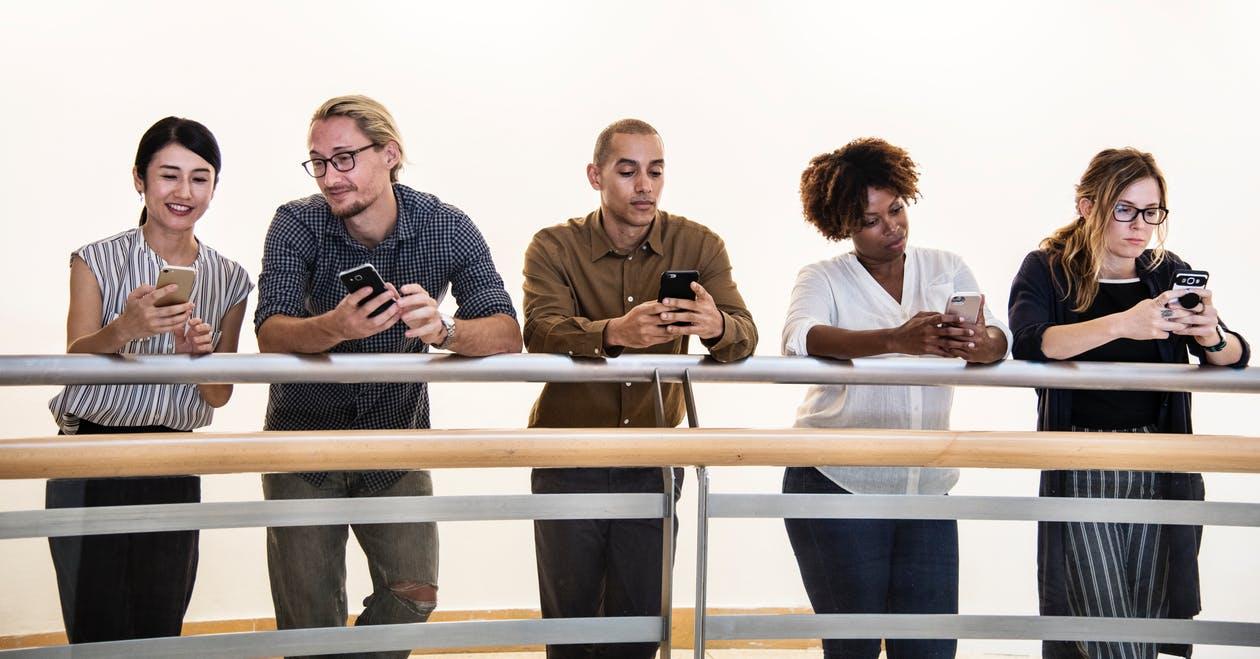 Яндекс тестирует в мобильном браузере чаты с людьми поблизости