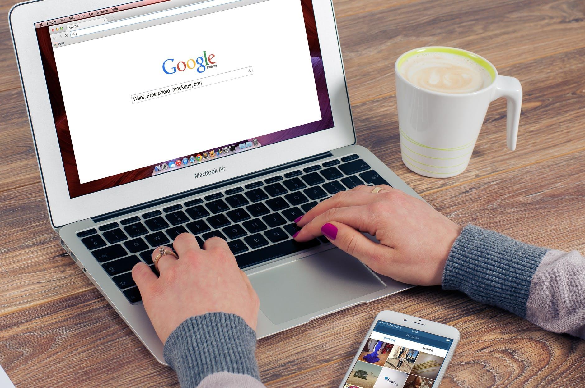 Google заплатит Apple $15 млрд за возможность остаться главным поисковиком в Safari