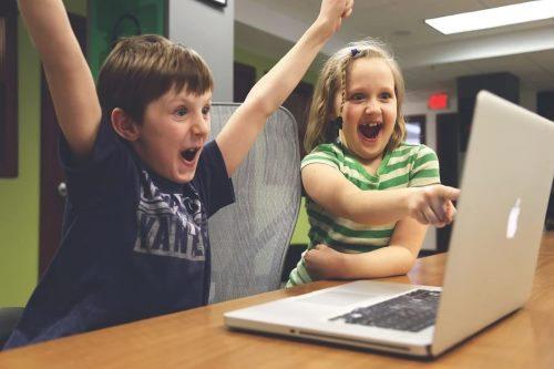 Минпросвещения и Mail.ru Group разрабатывают для школьников соцсеть – аналог TikTok
